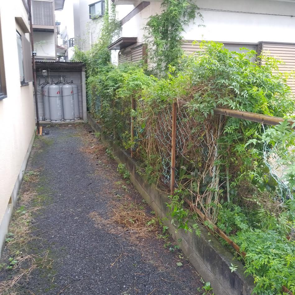 お家周りの除草 作業前画像2